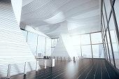 空の未来的なホールのインテリア、木製のフロアと大きな窓