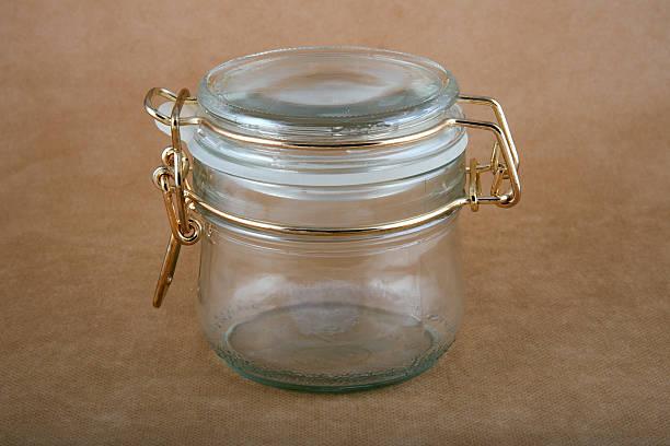 leere glas jar - topfdeckel speicher stock-fotos und bilder
