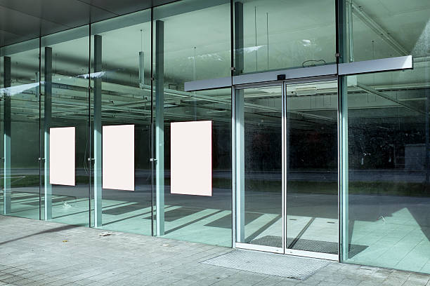 empty glass store front during construction - store window stock pictures, royalty-free photos & images