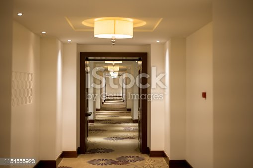 Empty dark hotel hallway, Nikon Z7