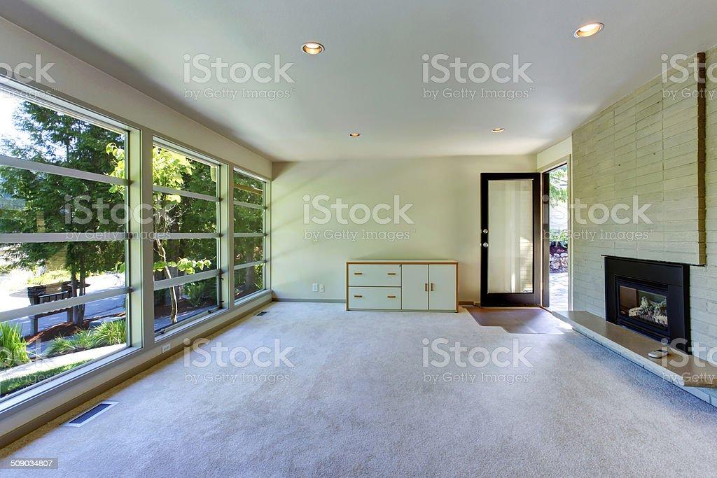 Leeres Haus Interieur Glaswand Wohnzimmer Stockfoto und mehr ...