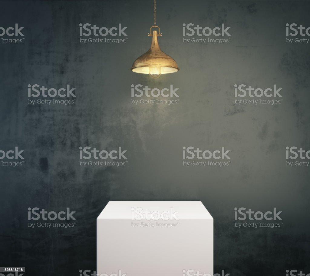 Leere beleuchteten Sockel – Foto