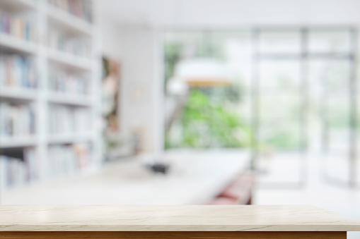 Lege Marmeren Tafel In De Woonkamer Voor Product Display Montage Stockfoto en meer beelden van Aanrecht