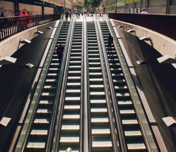 Leere U-Bahn-Station in Santiago – Foto