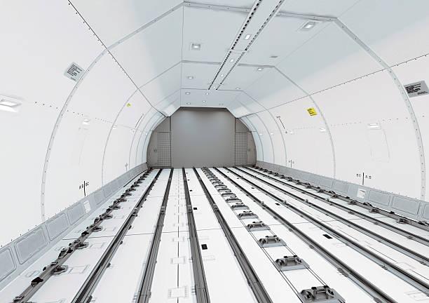 Vacías moderno de un avión civil retención de carga - foto de stock