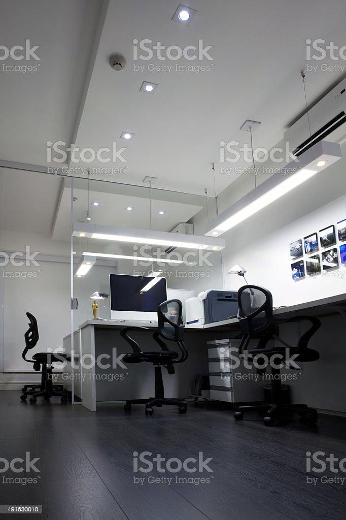 Vazio Interior de escritório moderno em negócios edifício corporativo - foto de acervo
