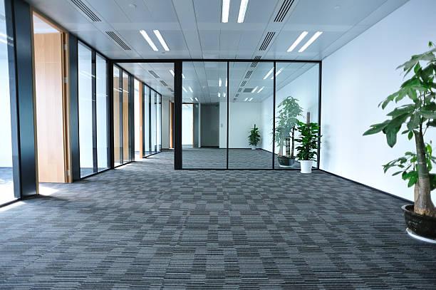 leere moderne office zimmer - eingangsbereich teppich stock-fotos und bilder
