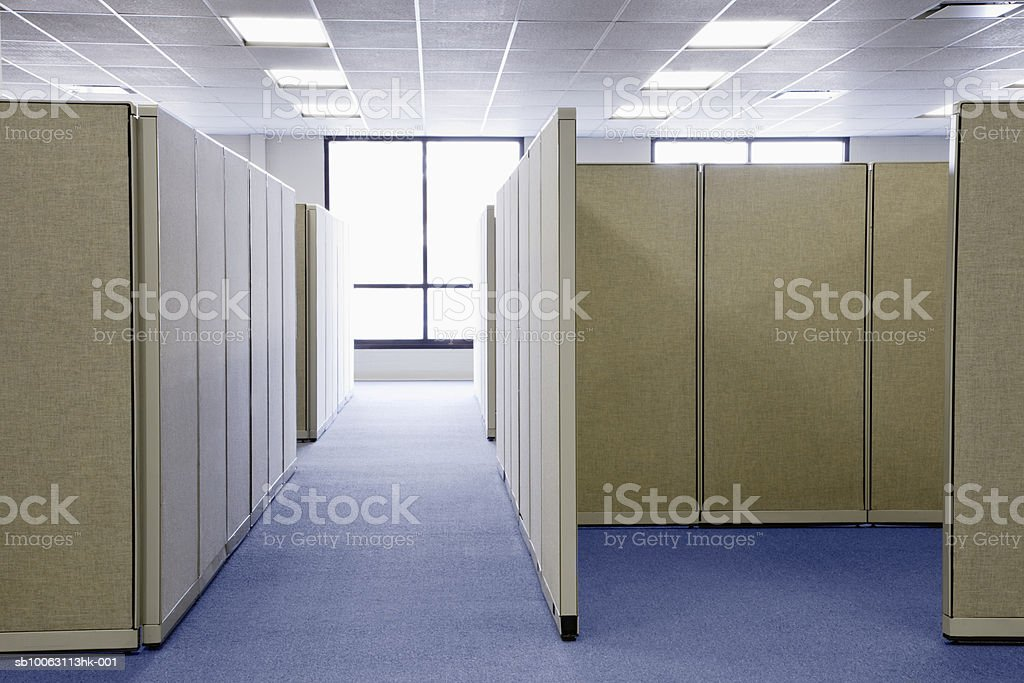 Empty office cubicles foto de stock libre de derechos