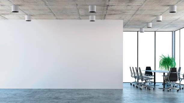 intérieur de bureau vide avec table de conférence - show room photos et images de collection