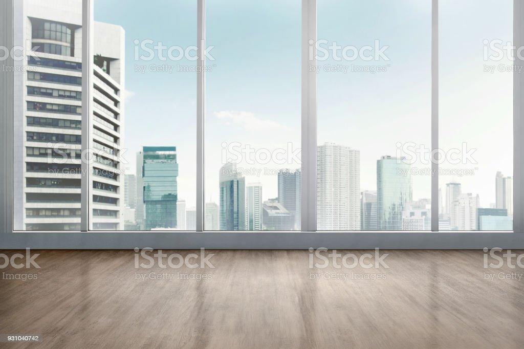 帶木地板的空辦公房 - 免版稅乾淨圖庫照片