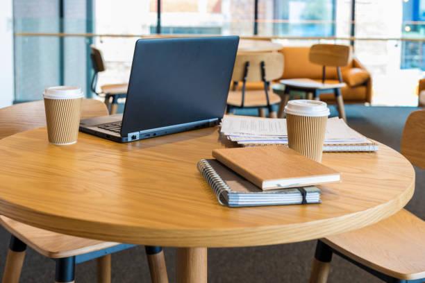 空開計畫辦公室咖啡館環境 - 虛擬辦公室 個照片及圖片檔