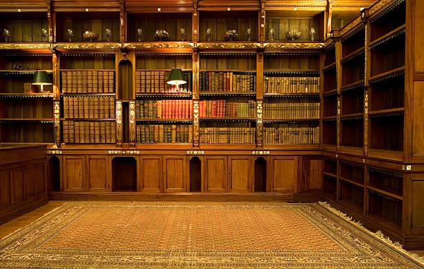 vacío sala de lectura - biblioteca fotografías e imágenes de stock