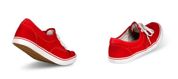 leere rote schuhe walking konzept - fußspuren stock-fotos und bilder