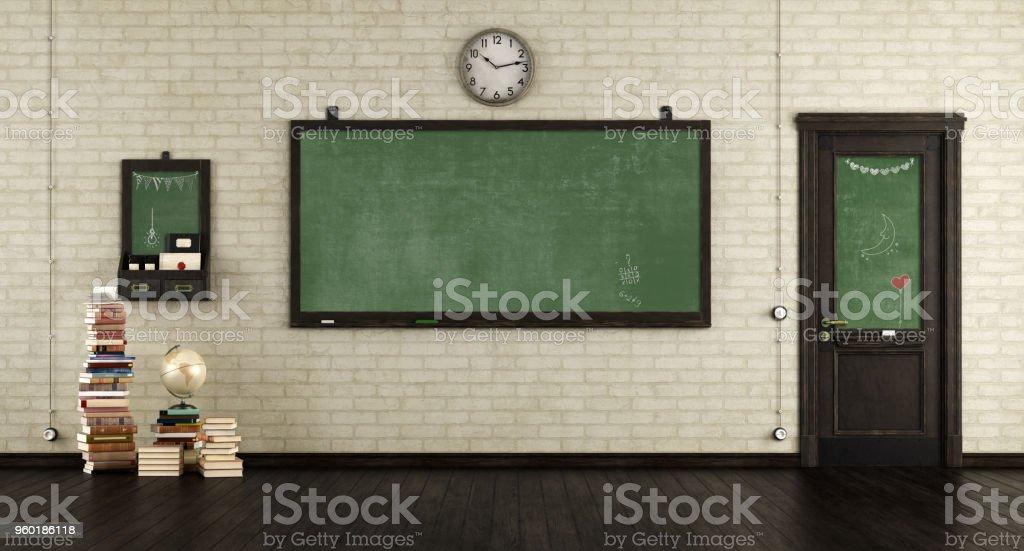 Empty retro classroom - foto stock