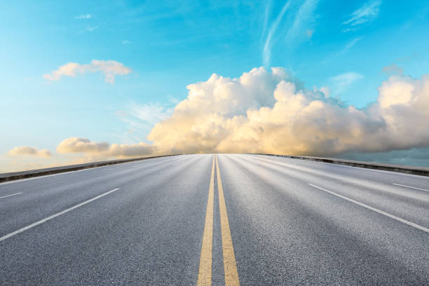 Empty road and sky nature landscape Empty asphalt road and beautiful sky landscape straight stock pictures, royalty-free photos & images