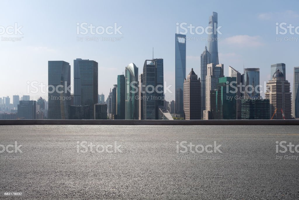 Empty road floor surface with modern city landmark buildings of Shanghai bund Skyline royalty-free 스톡 사진