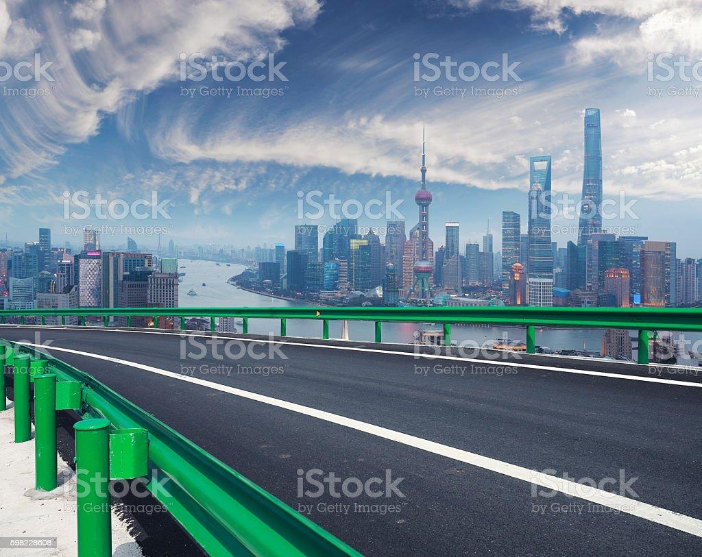 Empty road floor with bird-eye view at Shanghai bund Skyline foto royalty-free