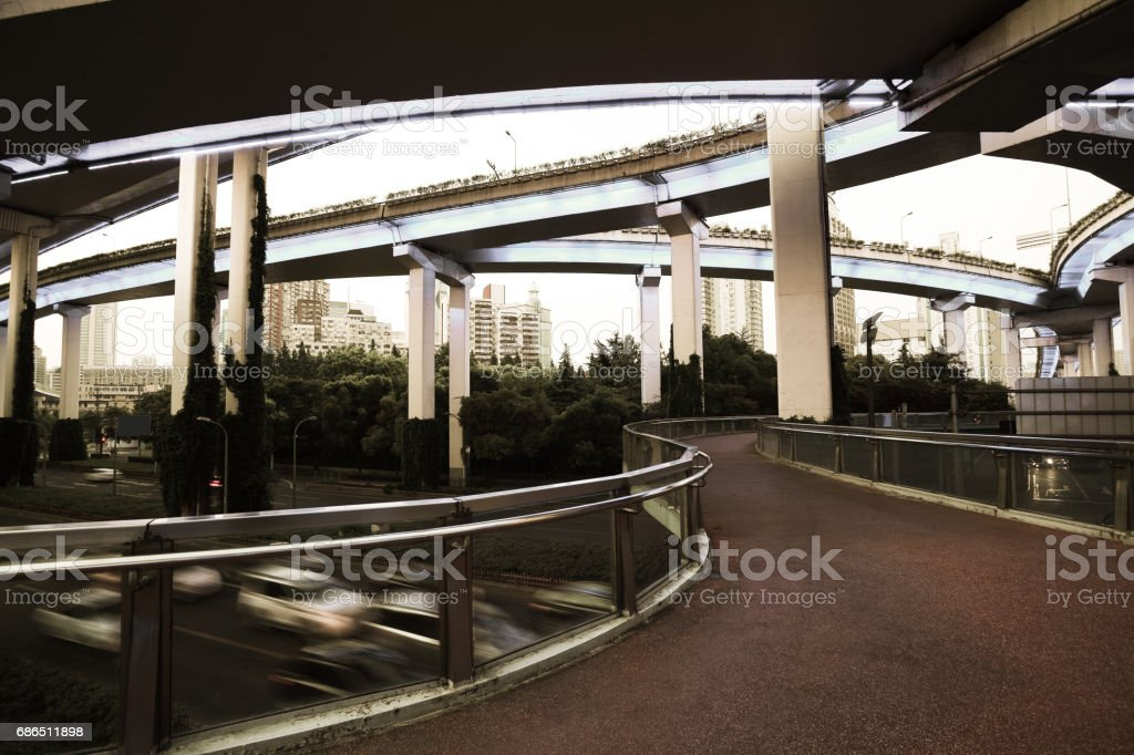 Empty road floor with city overpass viaduct bridge royalty free stockfoto