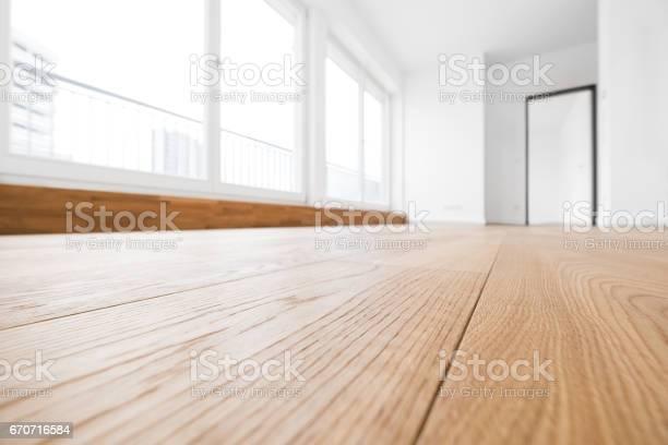 Leeren Raum Holzboden In Neue Wohnung Stockfoto und mehr Bilder von Bauholz