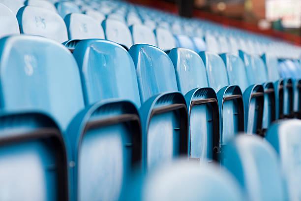 empty seats in football stadium - 人數 個照片及圖片檔