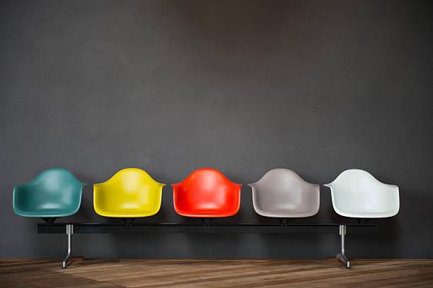 leere sitze - kunststoff farbe stock-fotos und bilder