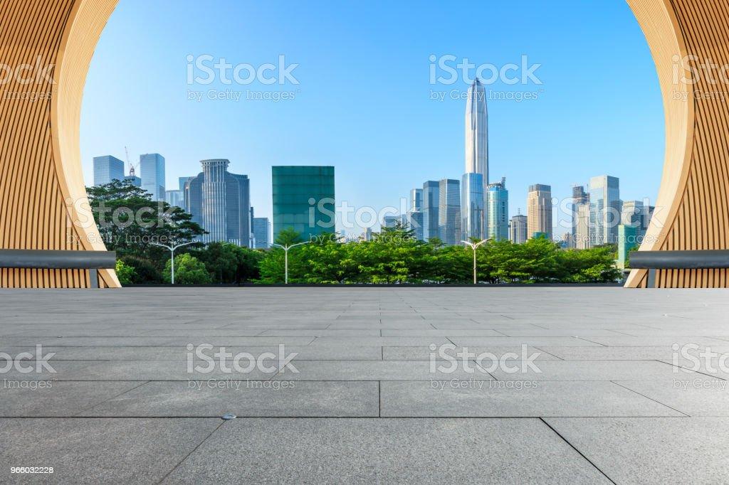 empty square floor and modern city skyline in Shenzhen - Royalty-free Alto - Descrição Física Foto de stock