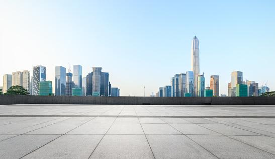 Tom Kvadrat Golv Och Moderna City Skyline Panorama I Shenzhen-foton och fler bilder på Arkitektur
