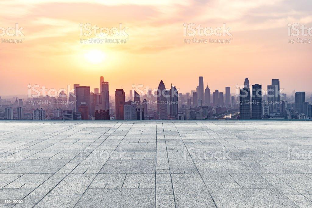 leeren quadratischen Vorderseite des Skyline der Stadt tianjin – Foto