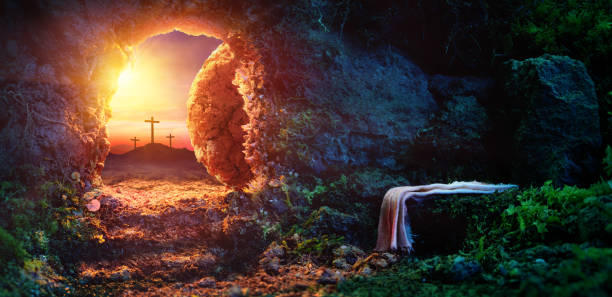 empty tomb - resurrection of jesus christ - easter imagens e fotografias de stock