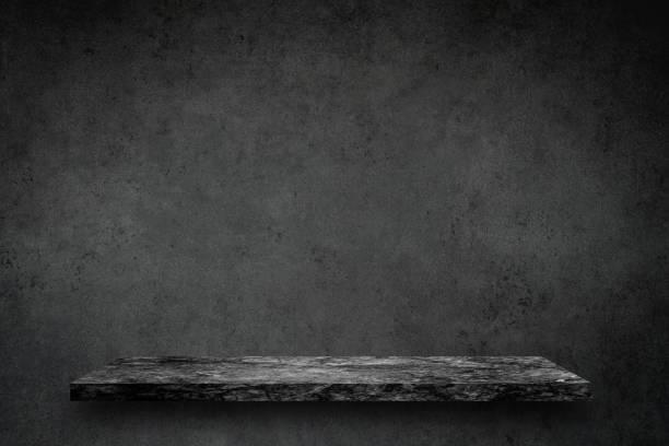 Boş tablosunun üst kısmındaki siyah mermer taş beton duvar arka plan doku grunge ve boşluk ya da göstermek için gri yüzeyle metin veya görüntü ve ürün ekleyin. Loft tarzı. stok fotoğrafı