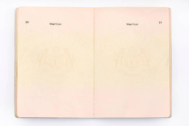 Vacío pasaporte de viaje - foto de stock