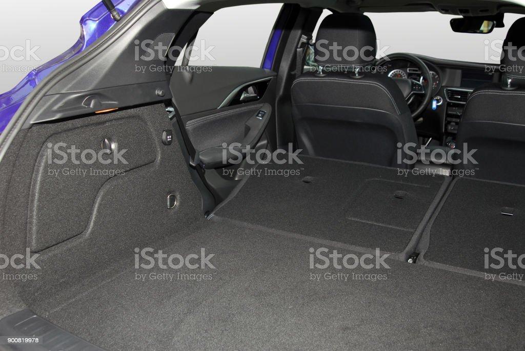 Leere trunk dem Geländewagen – Foto