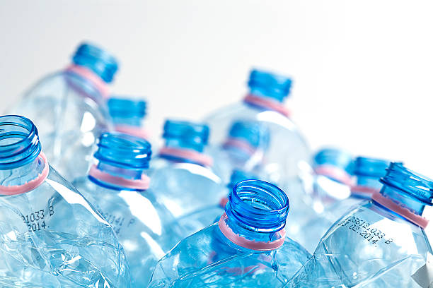 Vacío botellas de agua - foto de stock