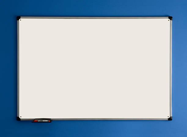 pizarra vacía - pizarra blanca fotografías e imágenes de stock