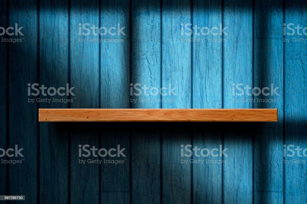 Une étagère en bois vide photo libre de droits