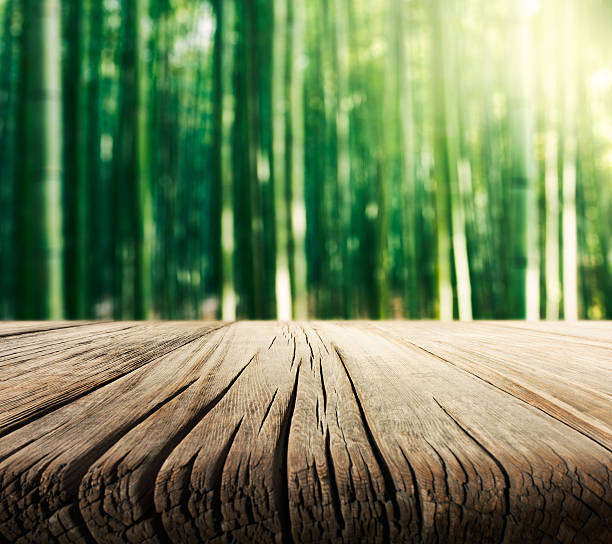 Empty Wooden Table and Bamboo Background圖像檔