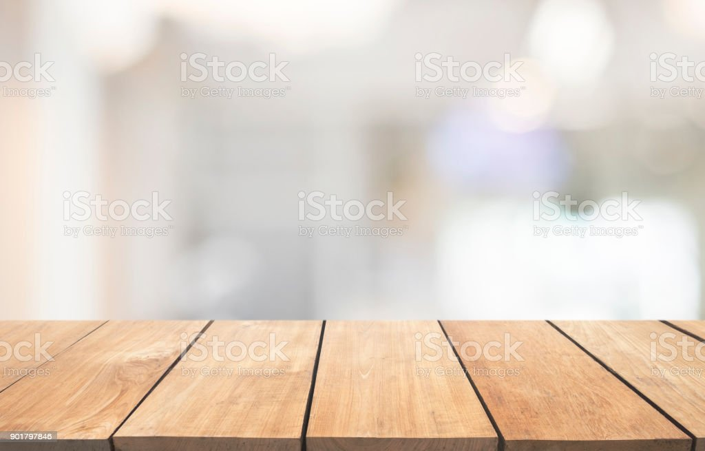 Mesa de madera vacía y fondo interior, exhibición de producto, fondo interior Luz borrosa con bokeh foto de stock libre de derechos