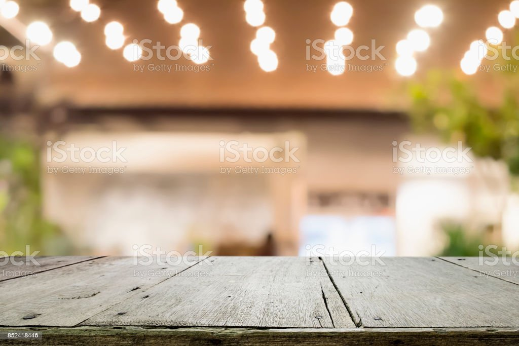Empty wooden table for present product. - foto stock