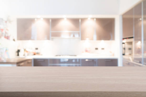 boş ahşap masa - ev mutfağı stok fotoğraflar ve resimler