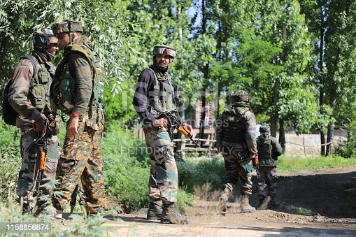 A fierce Gun-Battle erupted between Militants and Indian Security forces at  Gund Checkpora of Budgam in Central of Kashmir, One JEM militant was Killed when a Gun-Battle between militants and Government forces broke early morning in Budgam Village south of Kashmir. Police said.
