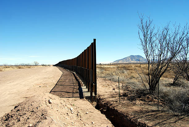 End of border fence in Arizona  border patrol stock pictures, royalty-free photos & images