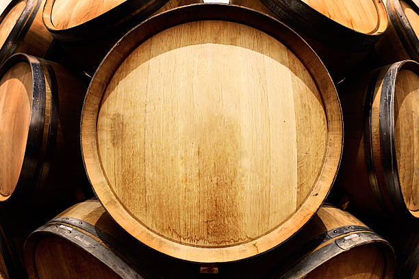 최종 껴짐 보기 오크 와인 셀러의 복사 공간이 - 뚜껑 뉴스 사진 이미지
