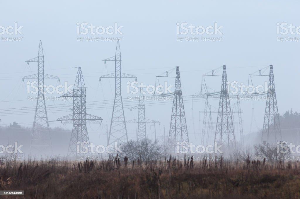postes de energia - Foto de stock de Arquitetura royalty-free