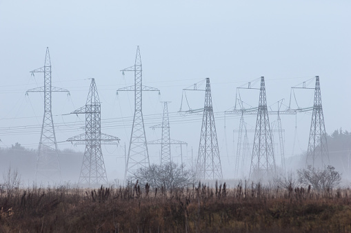 Foto de Postes De Energia e mais fotos de stock de Arquitetura