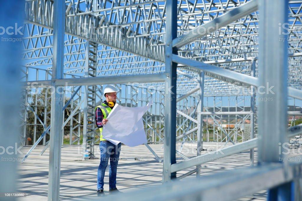 Ingenieur auf Baustelle – Foto