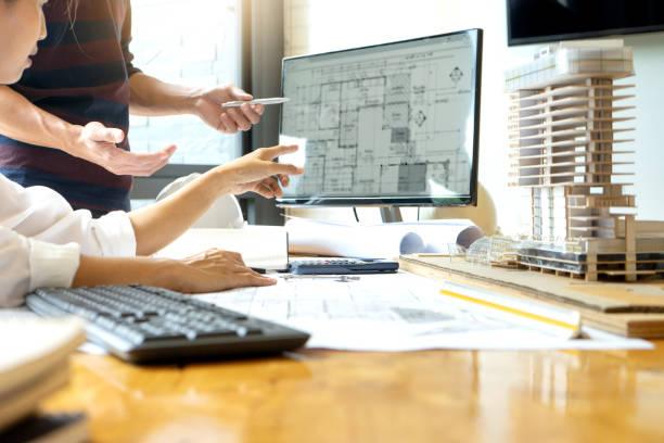 ingenieur oder architektonische projekt - architekturberuf stock-fotos und bilder