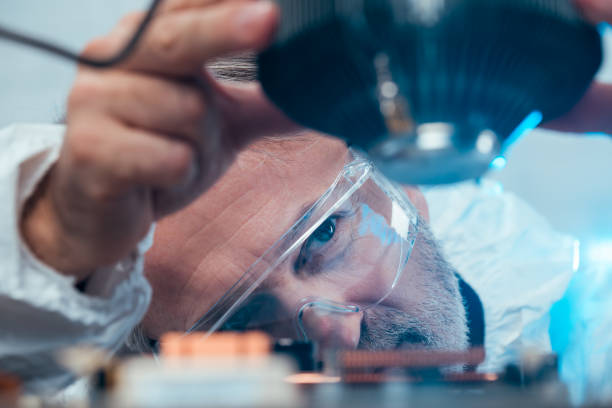 Engineer Engineer fixing computer Laboratory services stock pictures, royalty-free photos & images