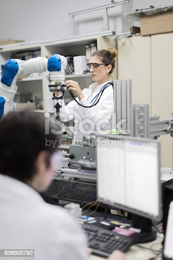 865186916 istock photo Engineers working in research lab 638900792