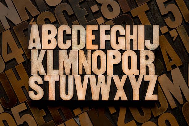 english alphabet in wood type - ruth 個照片及圖片檔