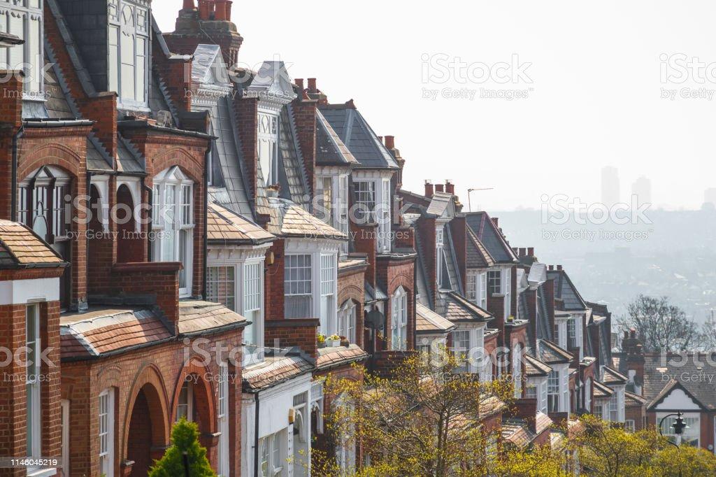 Casas En La Terraza De Ladrillo Inglés En Muswell Hill